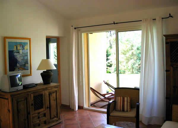 location-corse-villa-salongm1-large[1]